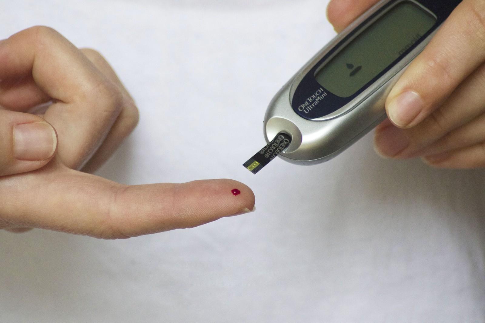 controlla la glicemia nel sangue