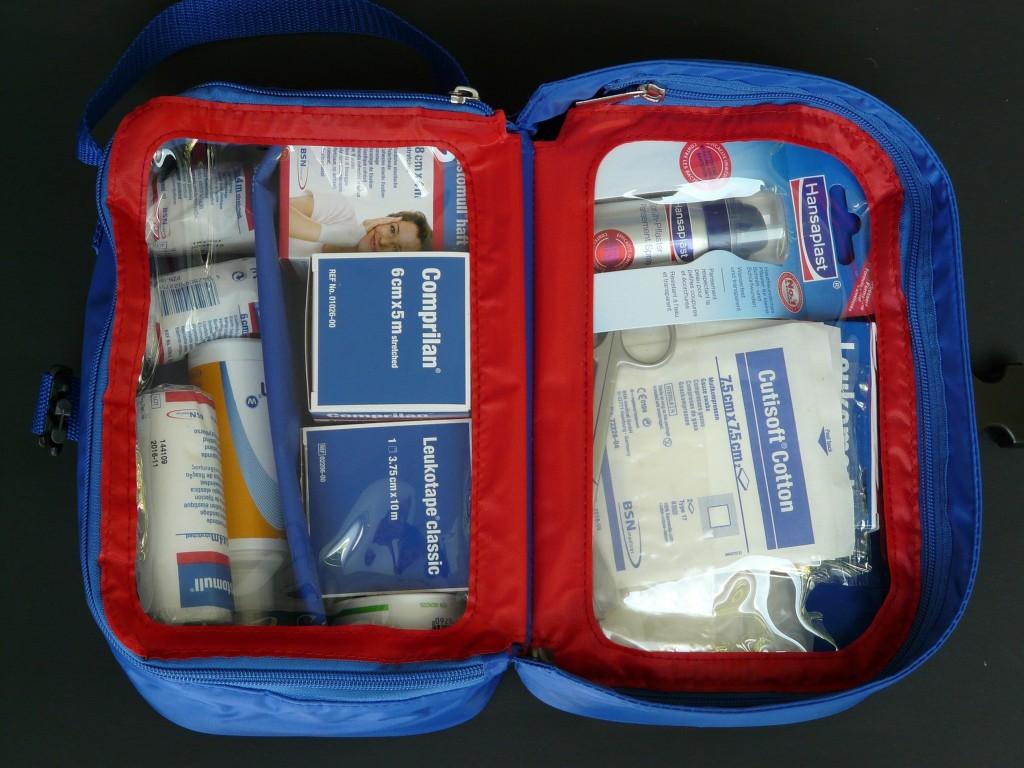 Preparare kit di pronto soccorso per le vacanze