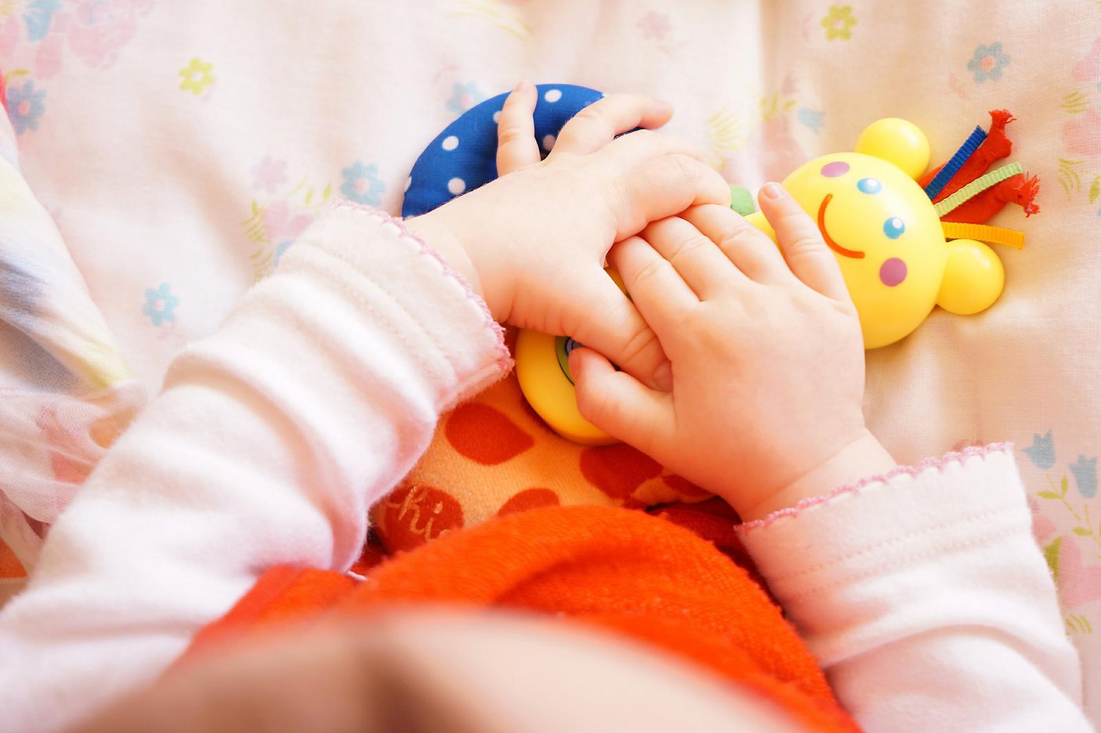 neonato non smette di piangere