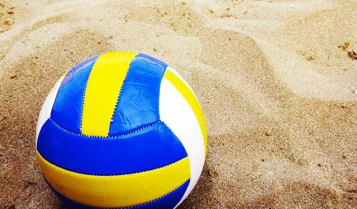 Piccoli infortuni con gli sport da spiaggia